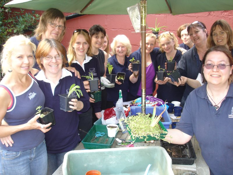 2011 students with their herb cuttings